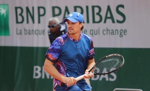 Молчанов выиграл парный финал турнира во Франции