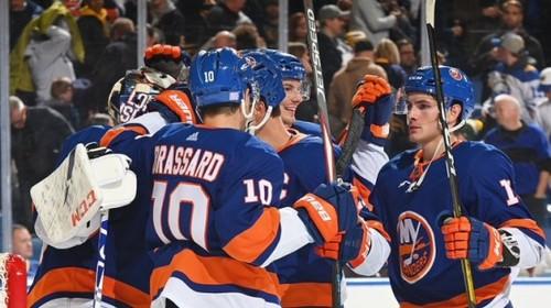 НХЛ. 9 подряд победа Айлендерс, успехи Бостона, Ванкувера и Флориды