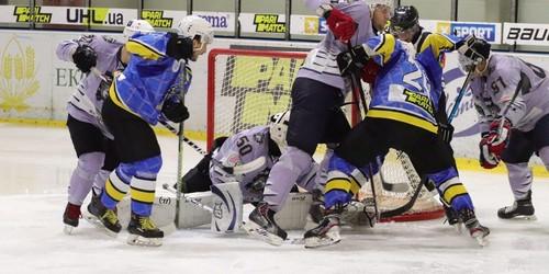 Днепр обыграл Ледяных Волков в результативном матче
