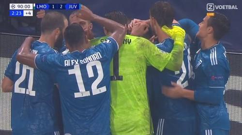 Ювентус вырвал победу в Москве у Локомотива за счет гола Дугласа Косты