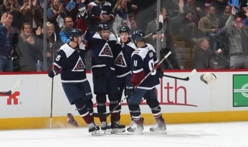 НХЛ. 9 шайб Колорадо, камбэк Питтсбурга, успех Вашингтона и день овертаймов