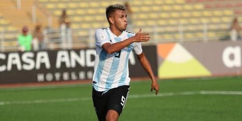 Челси хочет подписать 17-летнего аргентинского форварда