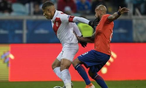 Чили отменила матч с Перу из-за беспорядков в стране