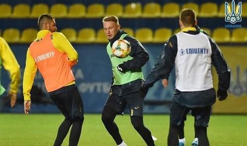 Безус все свои пять голов за сборную забил после выхода на замену