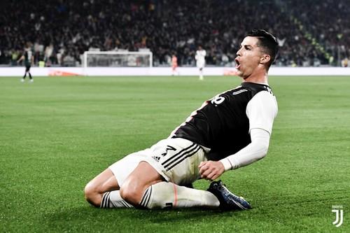Роналду тринадцатый сезон подряд забивает больше 30 голов