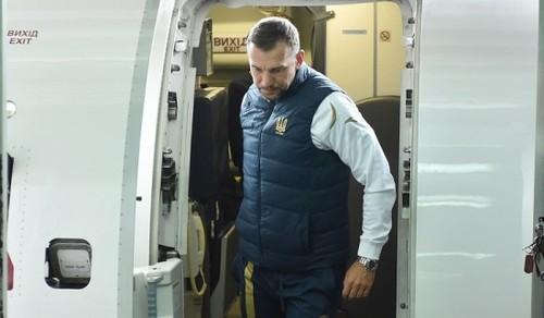 ВИДЕО. Украина прибыла в Сербию с Коноплянкой. Малиновский уже на месте