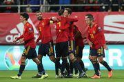 Две замены - два гола. Дебютанты сборной Испании забили за три минуты