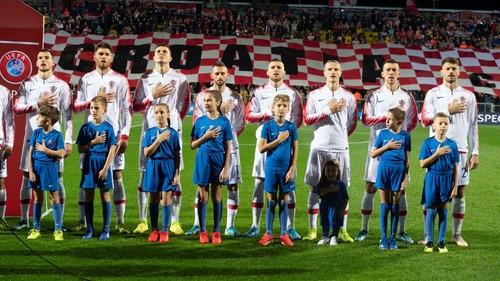 Група E. Хорватия одолела Словакию и вышла на Евро с первого места