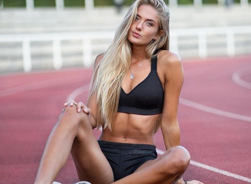 ДІВЧИНА ДНЯ. Найсексуальніша спортсменка світу Аліса Шмідт