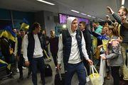 ВИДЕО. Как сборную Украины встречали болельщики в аэропорту Борисполь