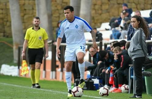 Игрок Динамо полетит в Лиссабон, чтобы договориться с Бенфикой