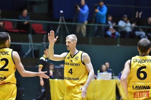 Киев-Баскет разгромил болгарский Левски и сохранил интригу в группе