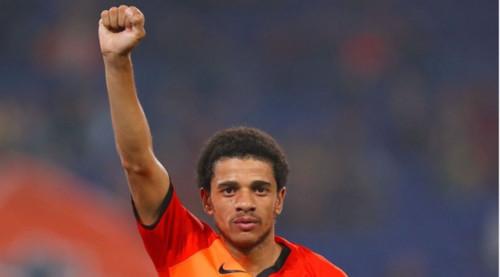 Преступление и наказание: как в Европе борются с расизмом на стадионах