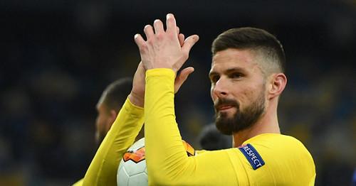 Милан включился в борьбу за Жиру