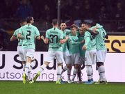 Интер разгромил Торино и сократил отставание от Юве до одного очка