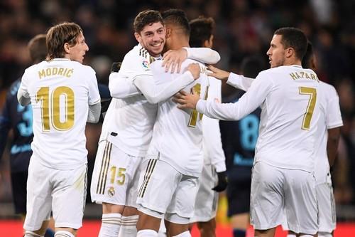 Мадридский Реал переиграл Реал Сосьедад и догнал Барселону