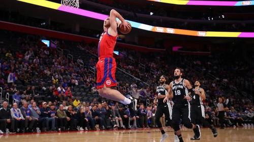 ВИДЕО. Как Святослав Михайлюк самый результативный матч в НБА проводил
