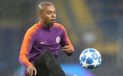 Манчестер Сити пока не планирует продлевать контракт с Фернандиньо