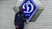 Нигерийский футболист Динамо поздравил бельгийского новичка команды