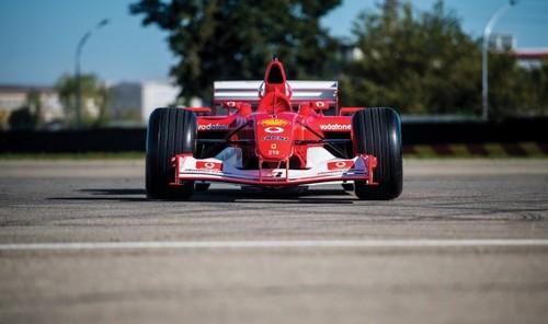 ФОТО. Чемпионский болид Шумахера продан на аукционе за 6,6 миллиона