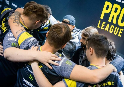 NaVi и Astralis вышли в полуфинал ESL Pro League Season 10