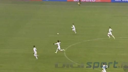ГОЛ ДНЯ. В Румынии пять игроков убежали с мячом на пустые ворота