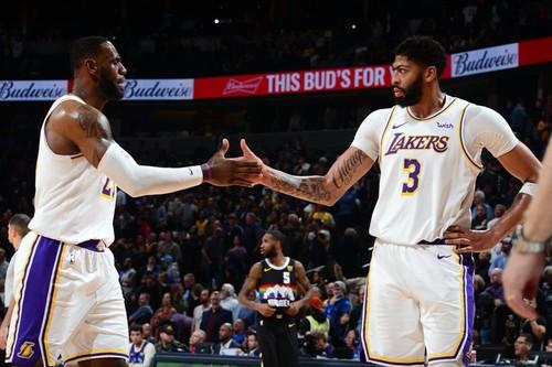 НБА. 50 очков Дэвиса помогли Лейкерс обыграть Миннесоту, дабл-дабл Лэня