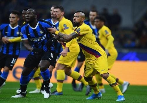 Интер проиграл полурезервному составу Барселоны и покинул Лигу чемпионов