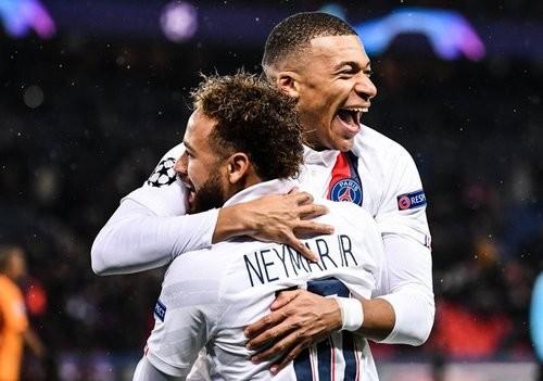 На групповом этапе Лиги чемпионов забито рекордное количество голов