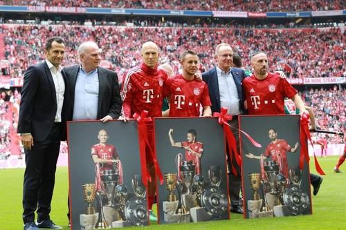 Рибери и Роббен сыграли последний матч за Баварию