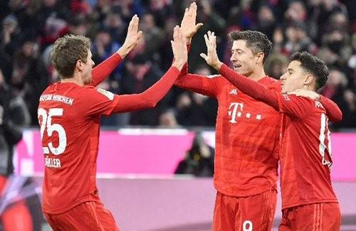 Бавария забила 6 мячей в ворота Вердера, Боруссия Д разбила Майнц