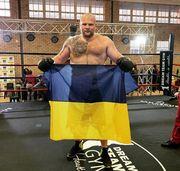 Украинец Шевадзуцкий уверенно побил испанца Роблеса