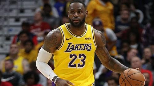 ВІДЕО. Яскравий розворот Леброна через Леня увійшов до топ-10 дня в НБА