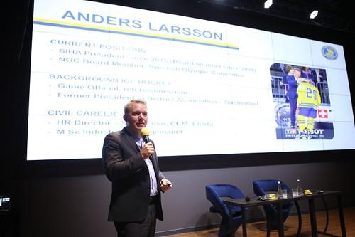 В Киеве прошел семинар президента Федерации хоккея Швеции