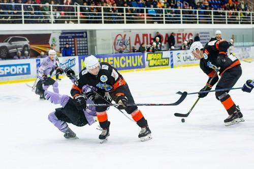 Кременчук забросил 9 шайб в ворота Ледяных Волков