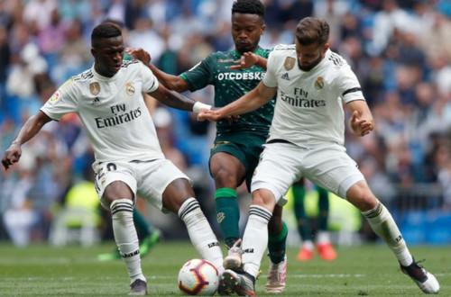 Реал завершил провальный сезон домашним поражением Бетису