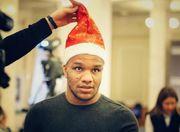 ФОТО. Беленюк приміряв костюм Діда Мороза