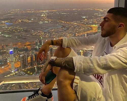 ФОТО. Футболист Динамо наслаждается отпуском в ОАЭ