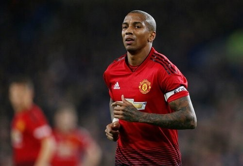 Янг отказался продлевать контракт с Манчестер Юнайтед