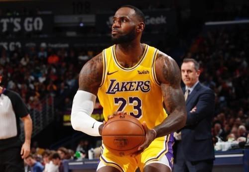 Леброн Джеймс вышел в лидеры голосования на Матч звезд НБА