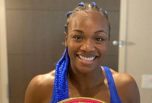 Шилдс стала чемпионкой мира в третьей весовой категории