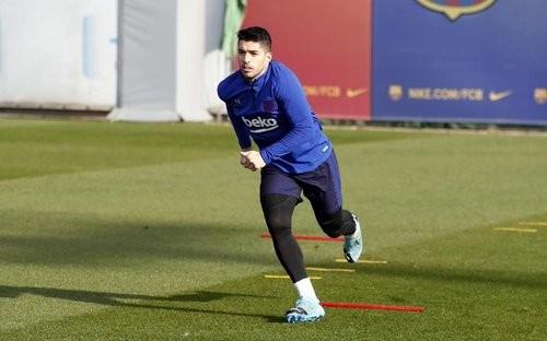 Барселона не паникует из-за травмы Суареса