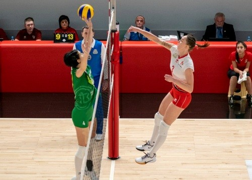 Химик и Прометей победили в стартовых матчах третьего этапа Кубка страны