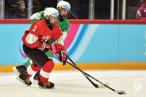 Украинские хоккеисты сделали медальный дубль на Юношеских играх