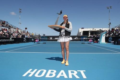 WTA Хобарт. Рыбакина  в матче за титул одолела Чжан Шуай