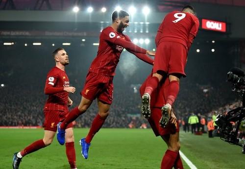 Ливерпуль одержал натужную победу над Манчестер Юнайтед