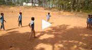 ВИДЕО. Бедность не помеха. Чумовой розыгрыш штрафного в Индии