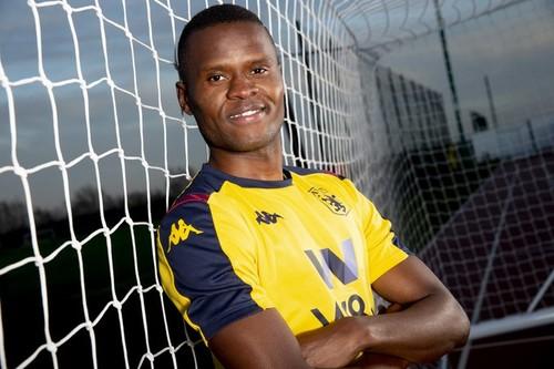 Астон Вилла подписала первого танзанийского футболиста в истории АПЛ