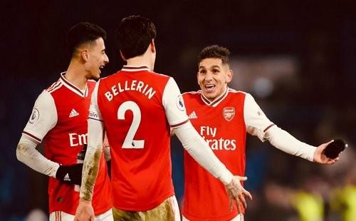 Суперразвязка на Стэмфорд Бридж: Арсенал в меньшинстве вырвал ничью у Челси