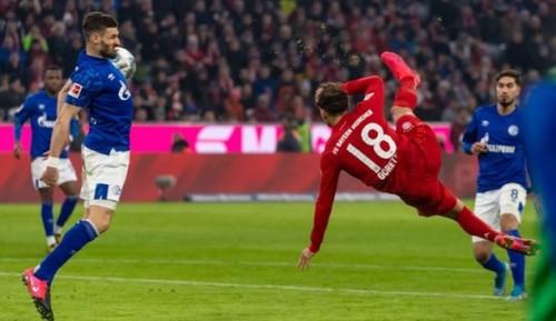 Бавария забила Шальке 5 голов и вернулась на 2-е место
